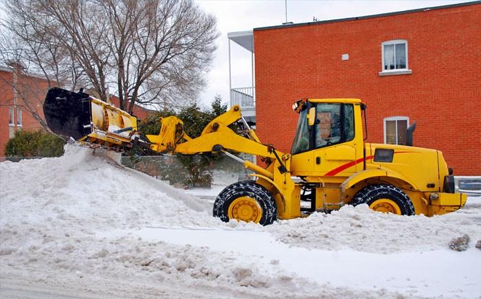 Какой трактор выбрать для уборки снега