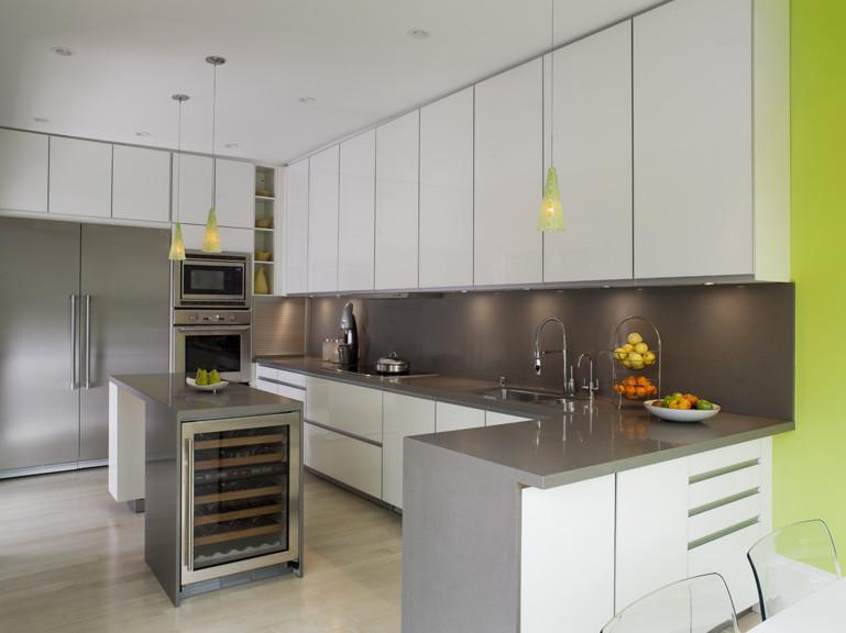 Кухня в серо зеленом цвете дизайн