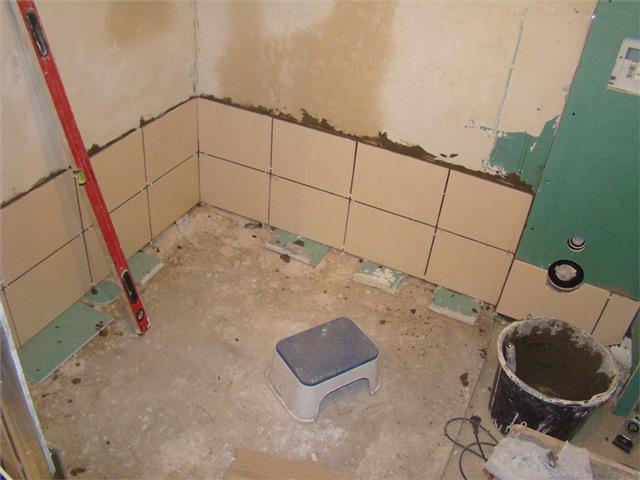 Порядок укладки плитки в ванной своими руками