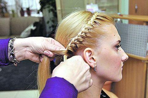 Как сделать косу на ухе